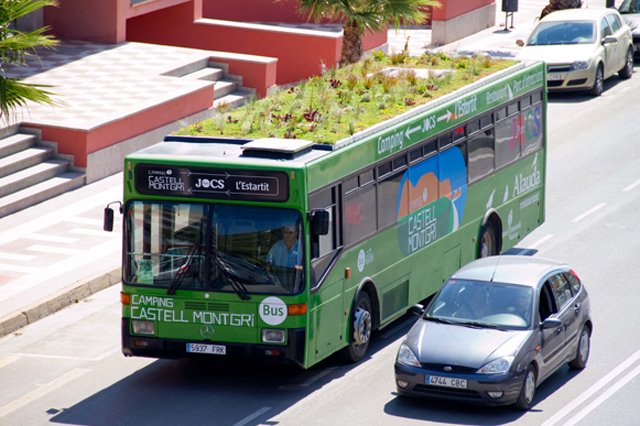 Why Putting Gardens on Top of Buses Makes Total Sense This is a bus. This is a bus with a rooftop garden. Any questions?