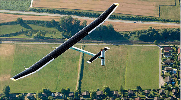 solar-airplane_from-above